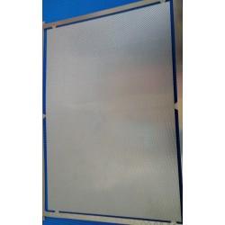 PHD015 : photo déocupe métal strié 70*100mm 1/87eme maillechort 1/10mm