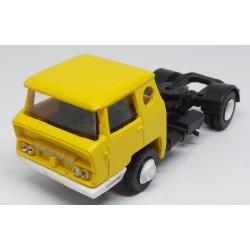 CHO3702 - Bernard TDA cabine Télévision de 1962 - tracteur - monté jaune- 1/87eme HO